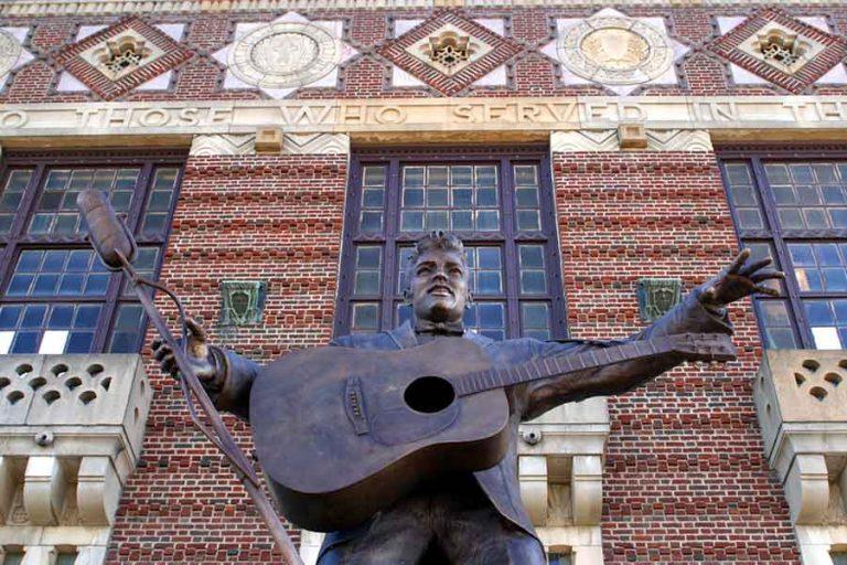 Elvis Presley Statue in Shreveport